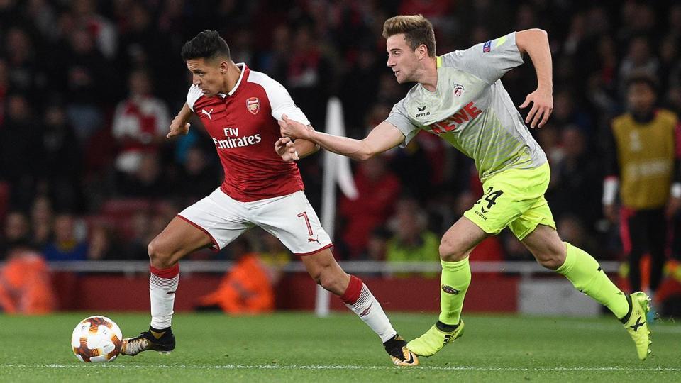 UEFA abre processos disciplinares a Arsenal e Colónia