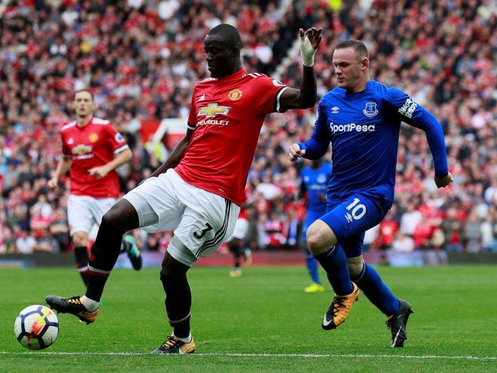 Vídeo: ManUtd goleia Everton, com bomba de Valencia e após ovação a Rooney