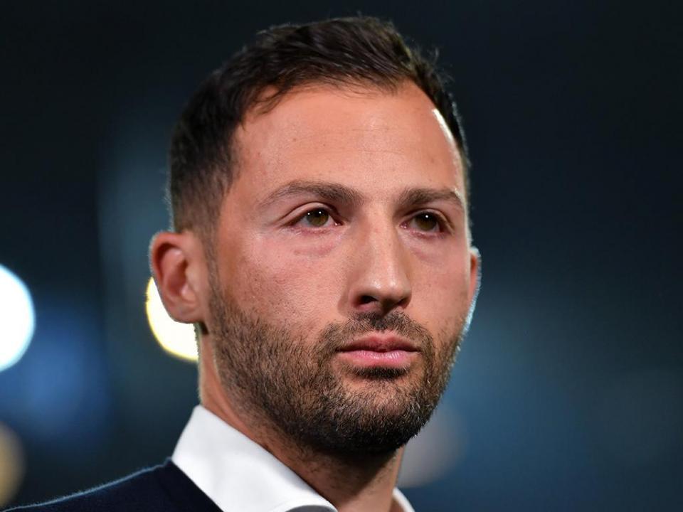 OFICIAL: Schalke 04 renova com o treinador até 2022