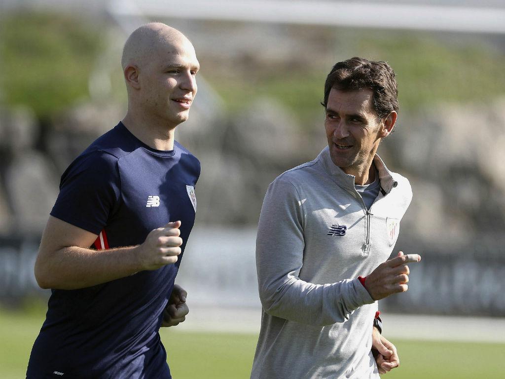 Athletic Bilbao: Jogador que luta contra cancro irá ser reintegrado