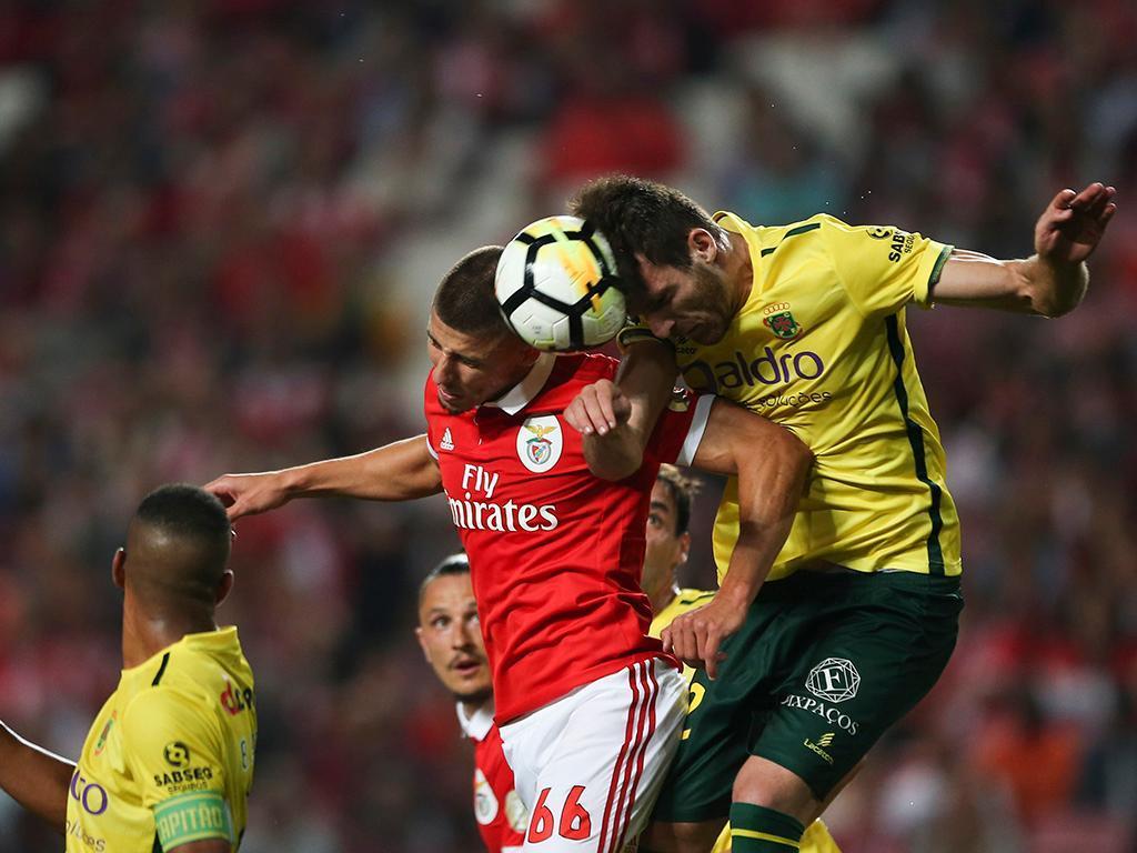 Paços-Benfica (antevisão): título e permanência num duelo capital