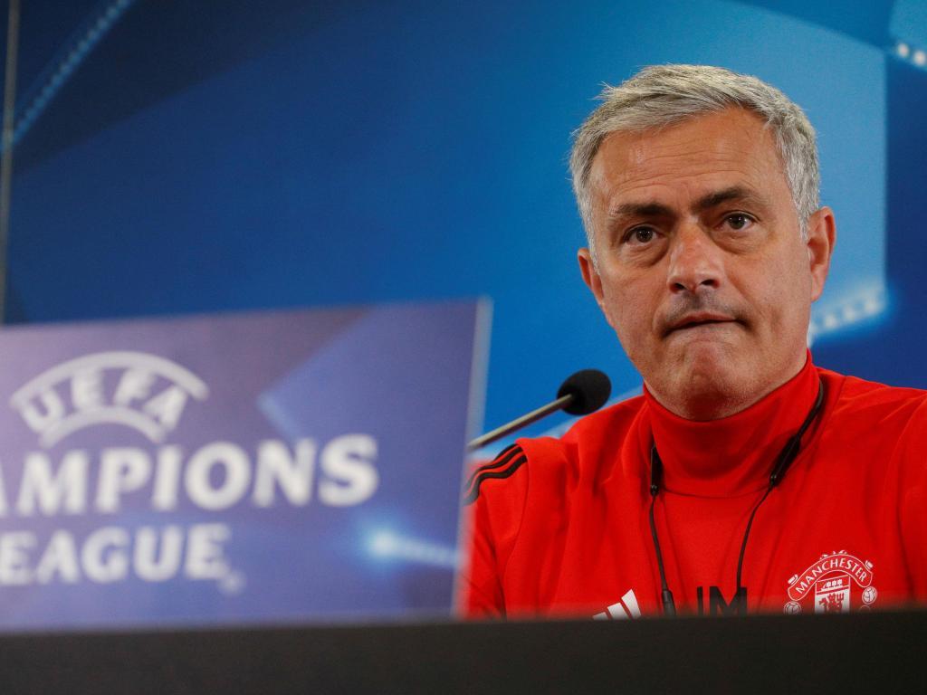 Goleada em Moscovo dá liderança a Mourinho — LC