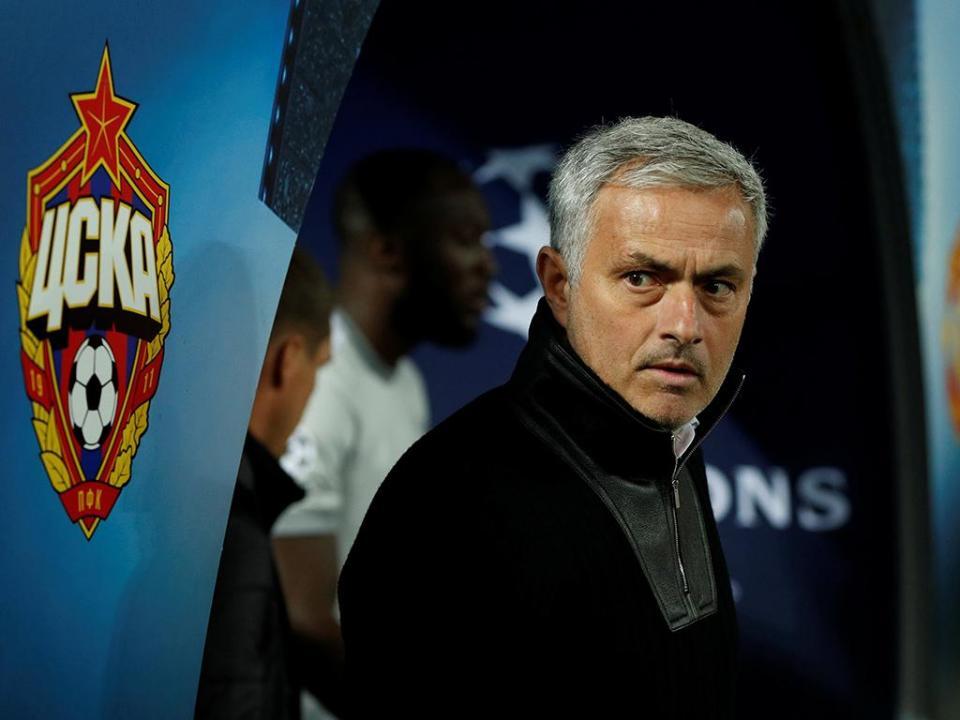 José Mourinho não poupa jogadores após a derrota em Brighton