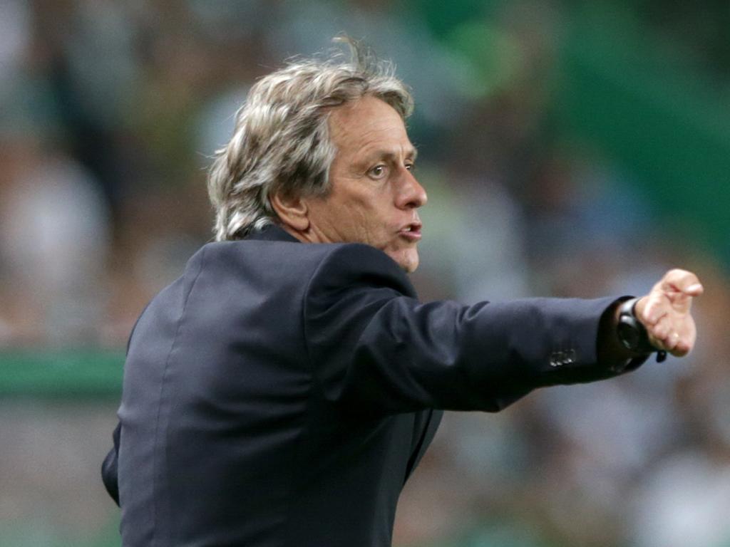 Jesus não abdica de salário em atraso na disputa com Benfica