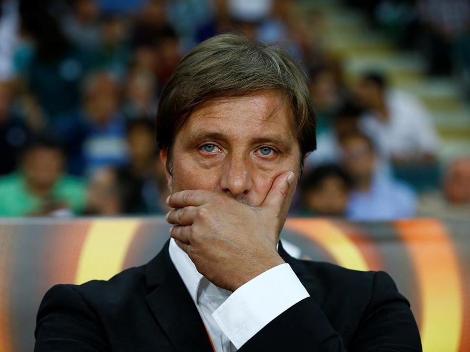 Pedro Martins negoceia com o Olympiakos