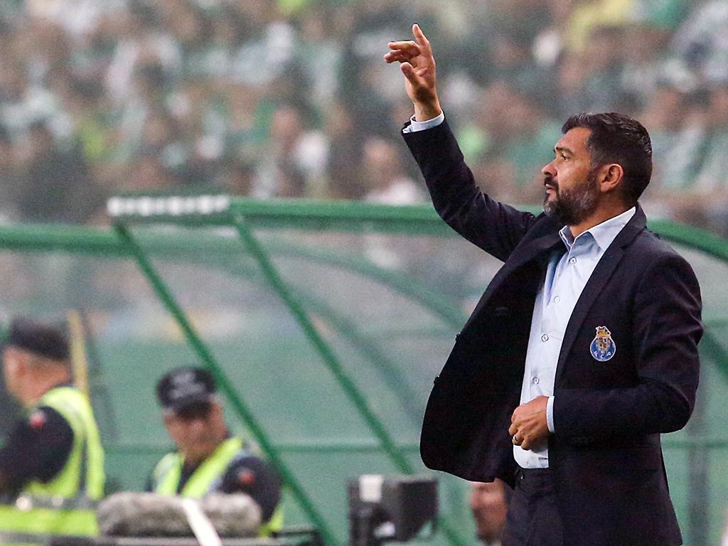 TP: Lusitano Évora-FC Porto (equipas): Diogo Dalot em estreia