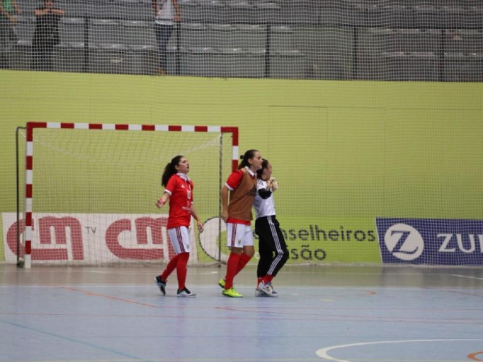 Futsal feminino  Benfica vence Sporting e fica com a Taça de Honra ... 41e0062b3fda7