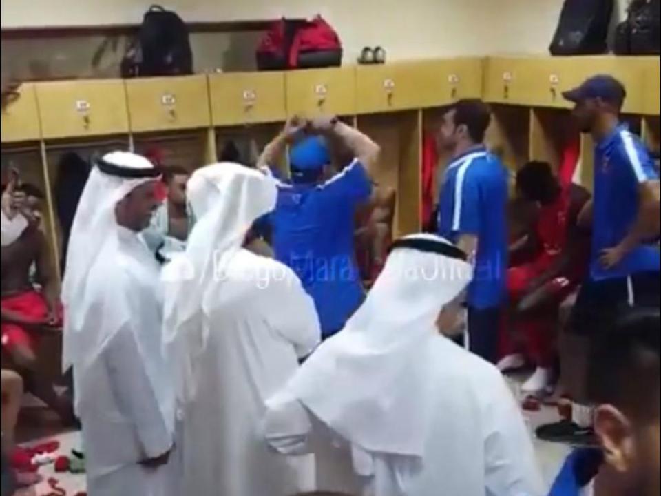 VÍDEO: o discurso de motivação de Maradona na nova equipa