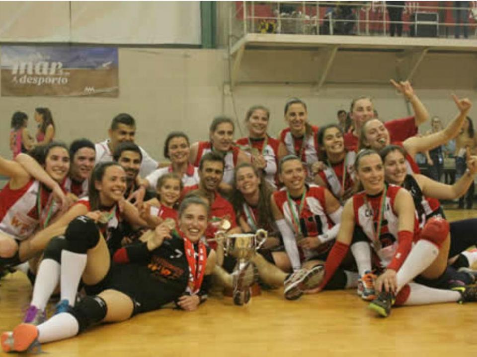 Leixões é bicampeão nacional de voleibol feminino