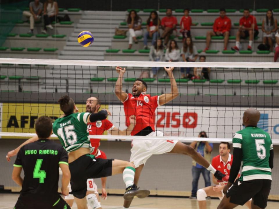 Vólei: Sporting vence primeiro dérbi do campeonato após o regresso