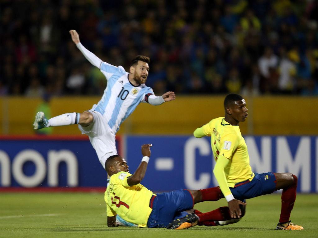 Federação equatoriana castiga cinco jogadores por indisciplina