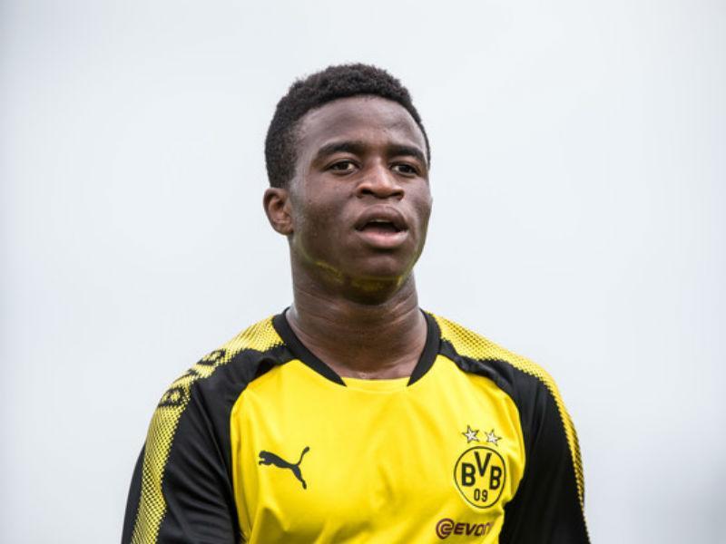 Alemanha duvida: Youssoufa Moukoko tem mesmo 12 anos?