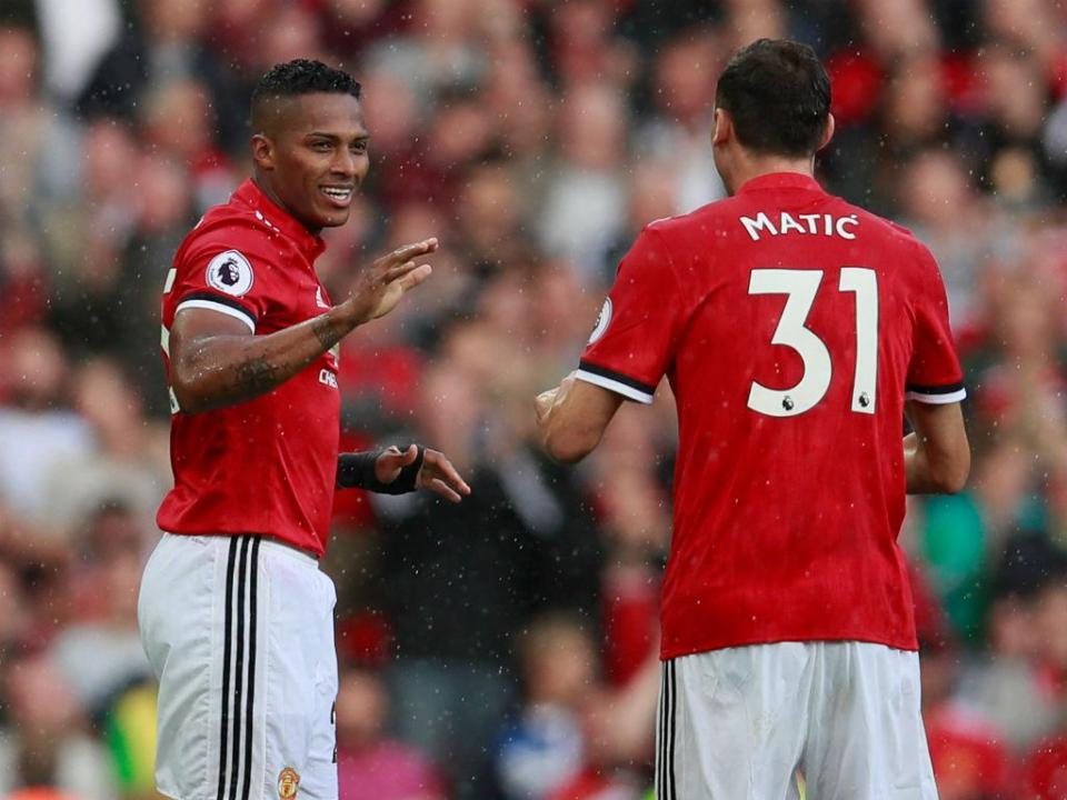 Mourinho aponta Matic à braçadeira de capitão do Manchester United
