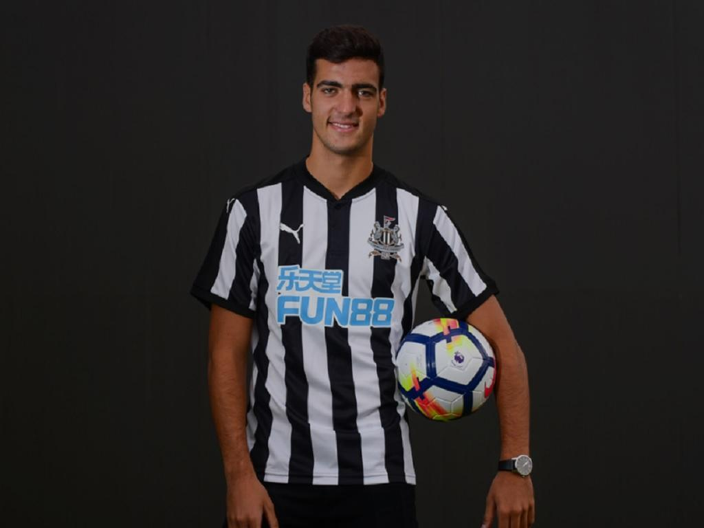 OFICIAL: Newcastle compra Merino ao Borussia Dortmund