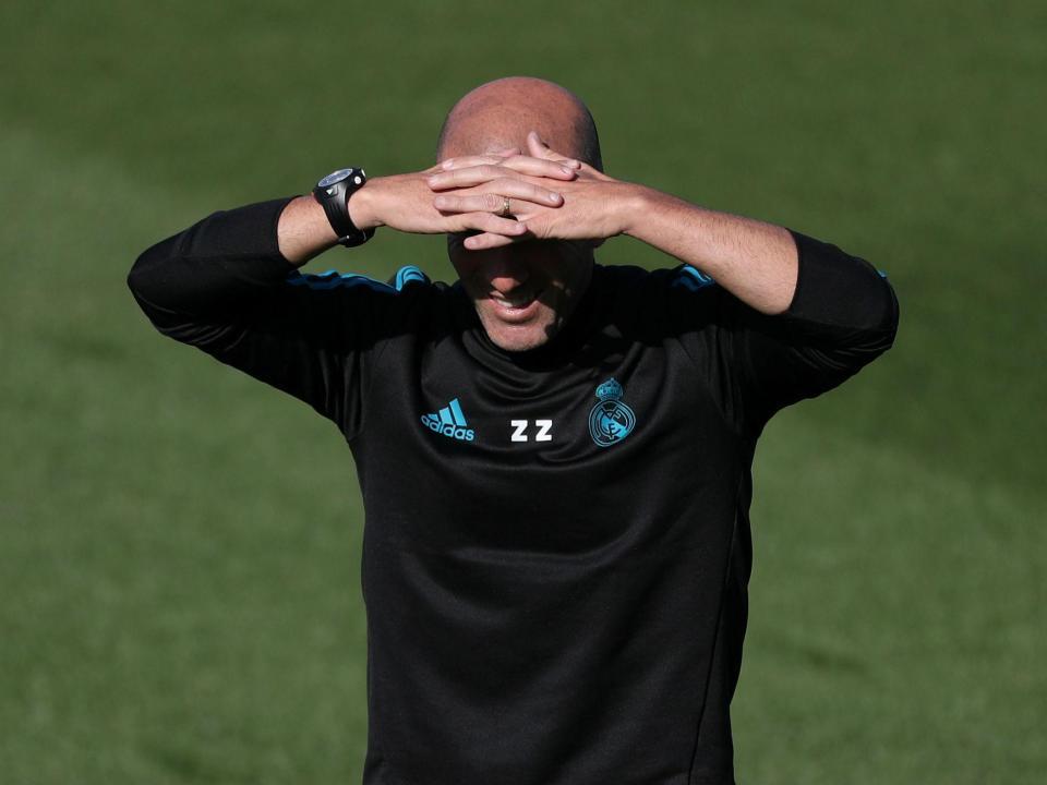 Real Madrid prepara clássico: Ronaldo e Benzema no ginásio