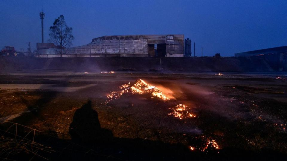Incêndio ameaça pavilhão em Aveiro