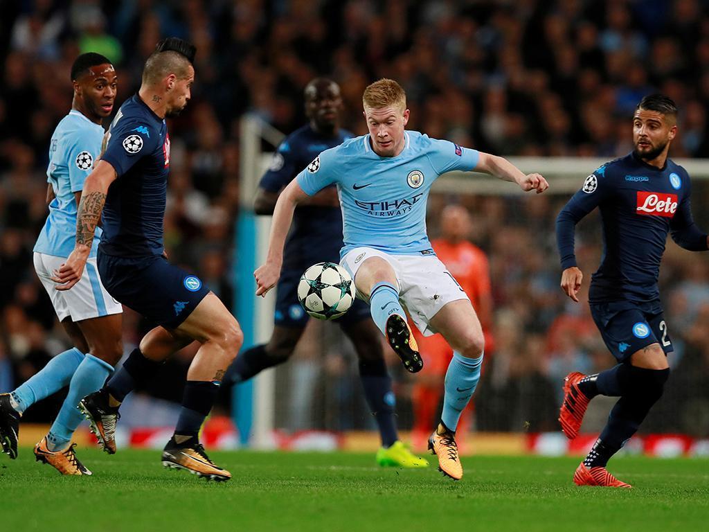 Manchester City festeja apuramento com triunfo claro em Nápoles