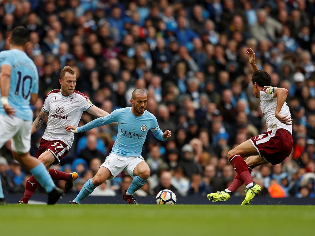 Man. City: Guardiola aponta à renovação de David Silva