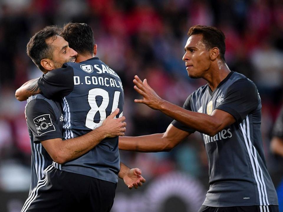 Desp. Aves-Benfica, 1-3 (crónica)