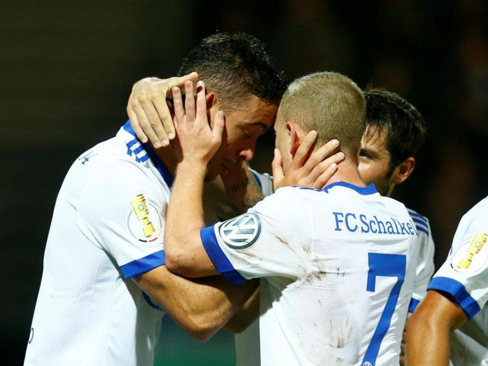 Alemanha: Schalke 04 afasta Colónia da Taça
