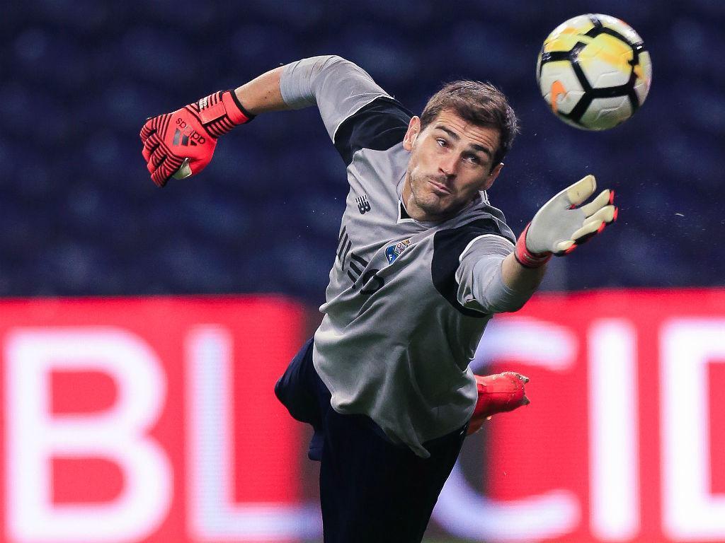 FC Porto-V. Guimarães: Casillas, Corona e Reyes titulares