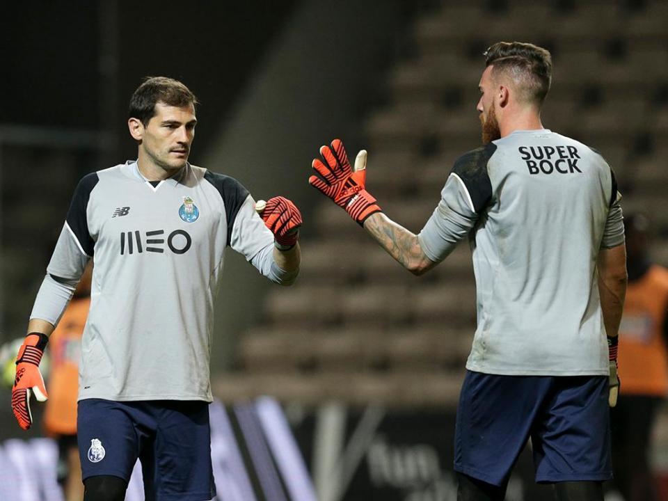 FC Porto-Portimonense: Casillas de regresso (equipas)