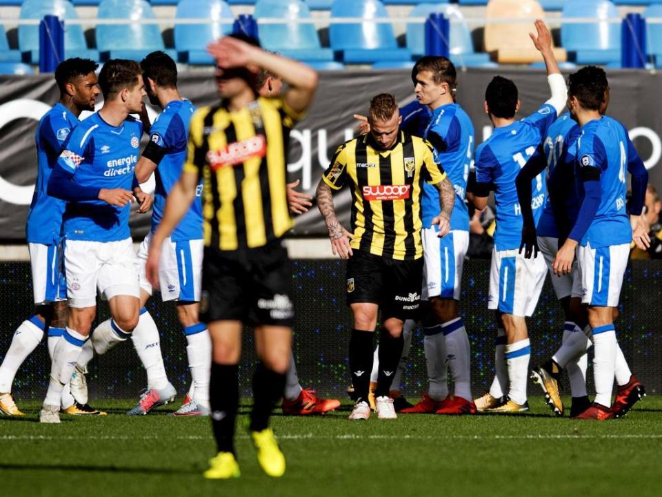 Holanda: PSV vence Clássico e alarga vantagem na frente