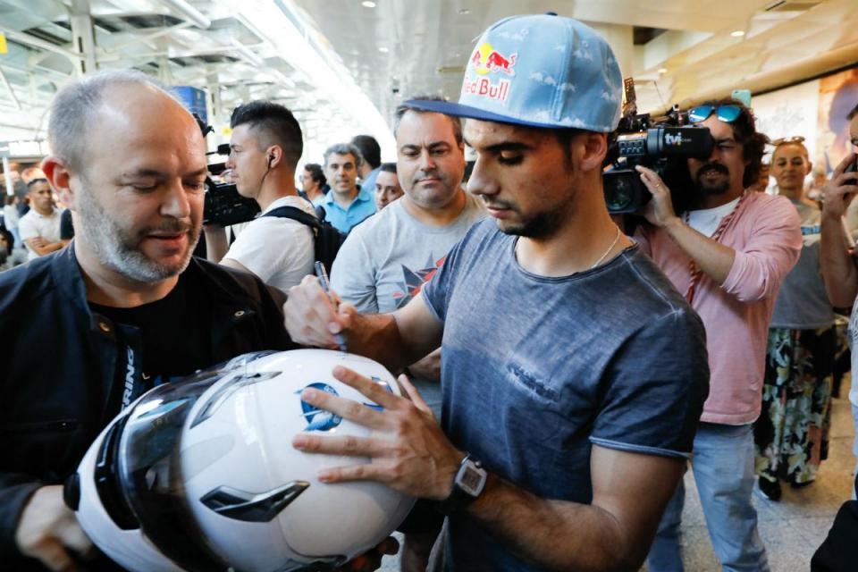 """MotoGP 2019: há """"outras equipas"""" que também querem Miguel Oliveira"""