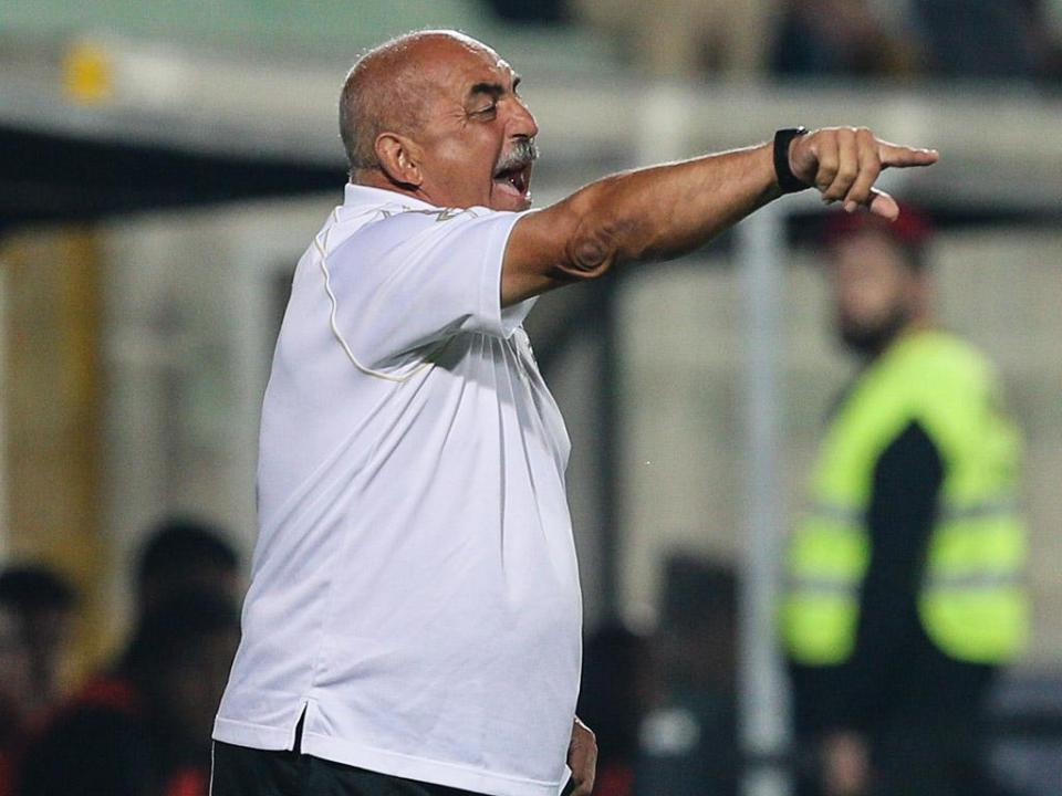 Vítor Oliveira: «Uma equipa jogou, a outra esperou o erro do adversário»