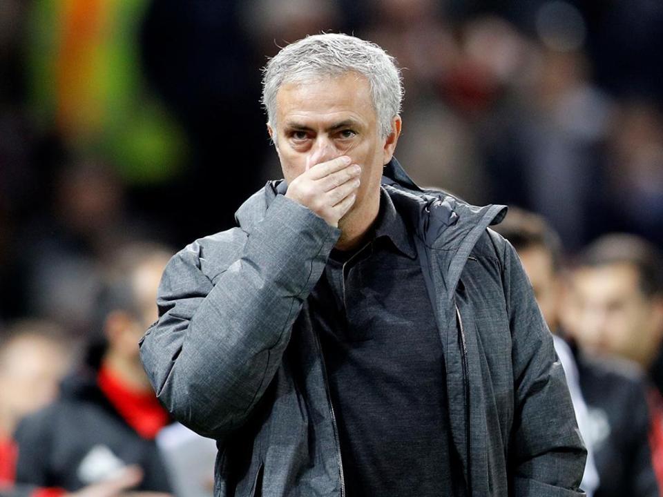 Mourinho volta a criticar calendário: «Há um grupo de privilegiados»