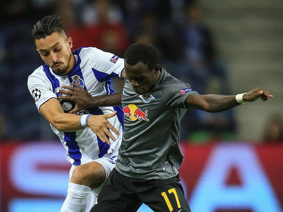 Alex Telles: «O plantel do FC Porto é curto mas muito forte»
