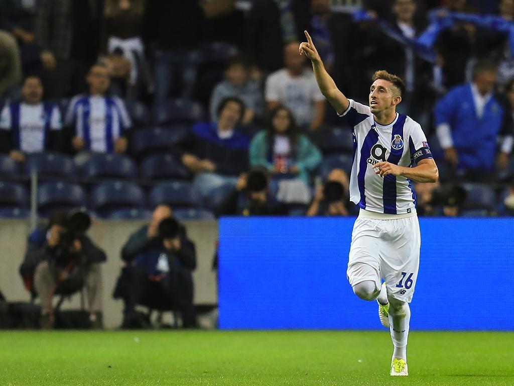 FC Porto: Corona e Herrera de volta, mas só um no relvado