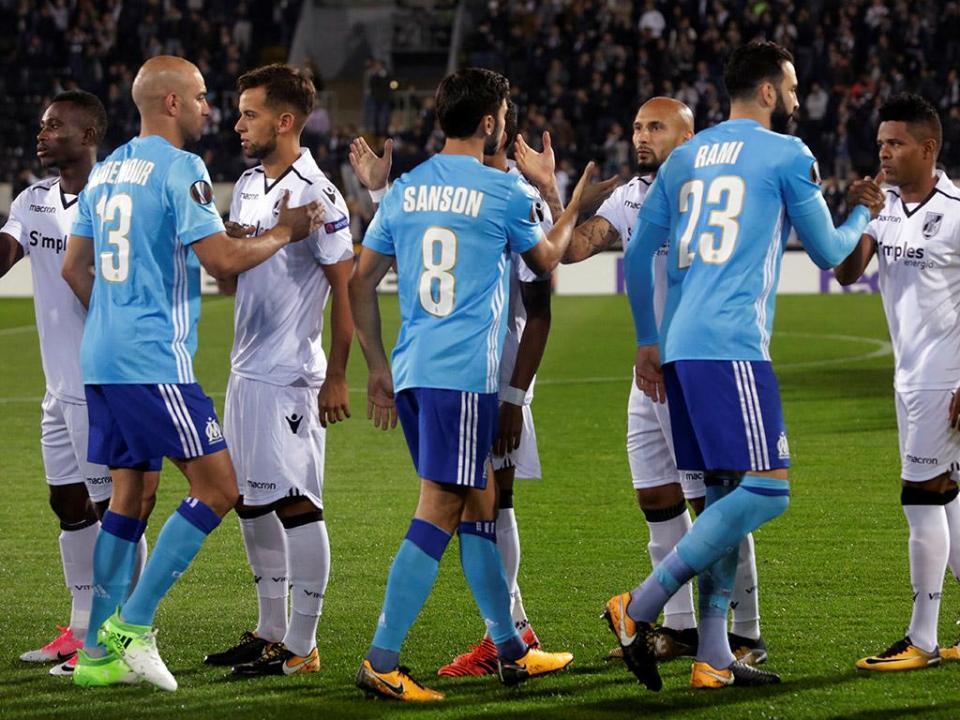 LE: V. Guimarães-Marselha, 1-0 (destaques)