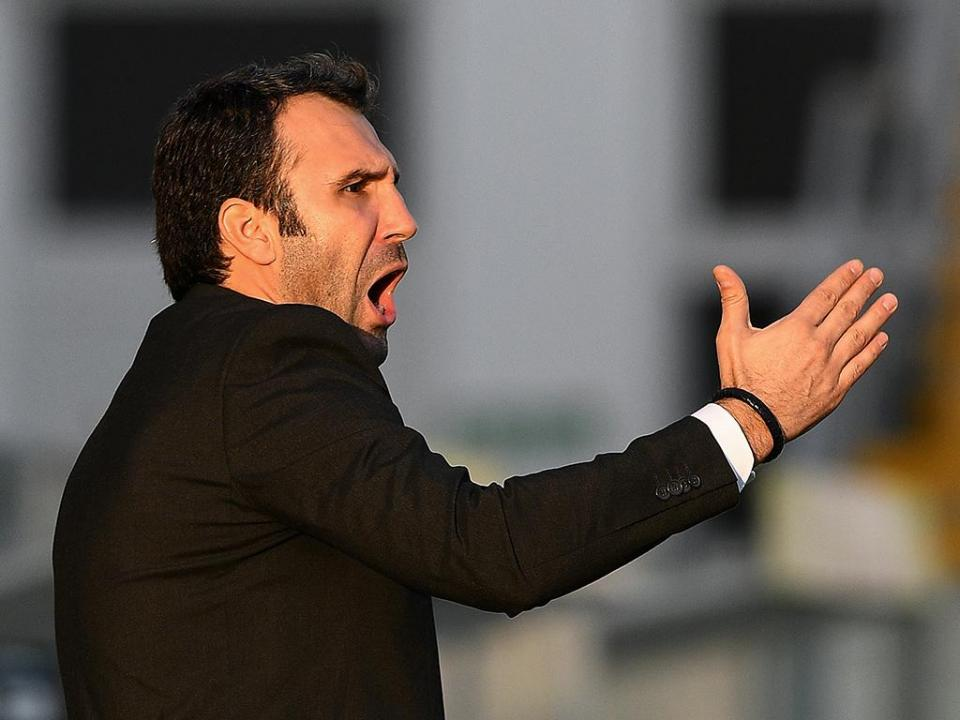 II Liga: Famalicão dá a volta ao FC Porto B e lidera à condição