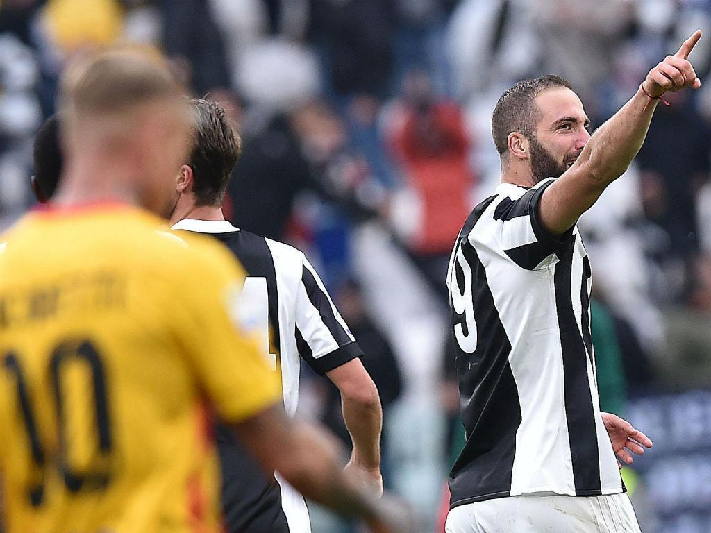 Juventus: Higuaín operado falha embate com o líder Nápoles