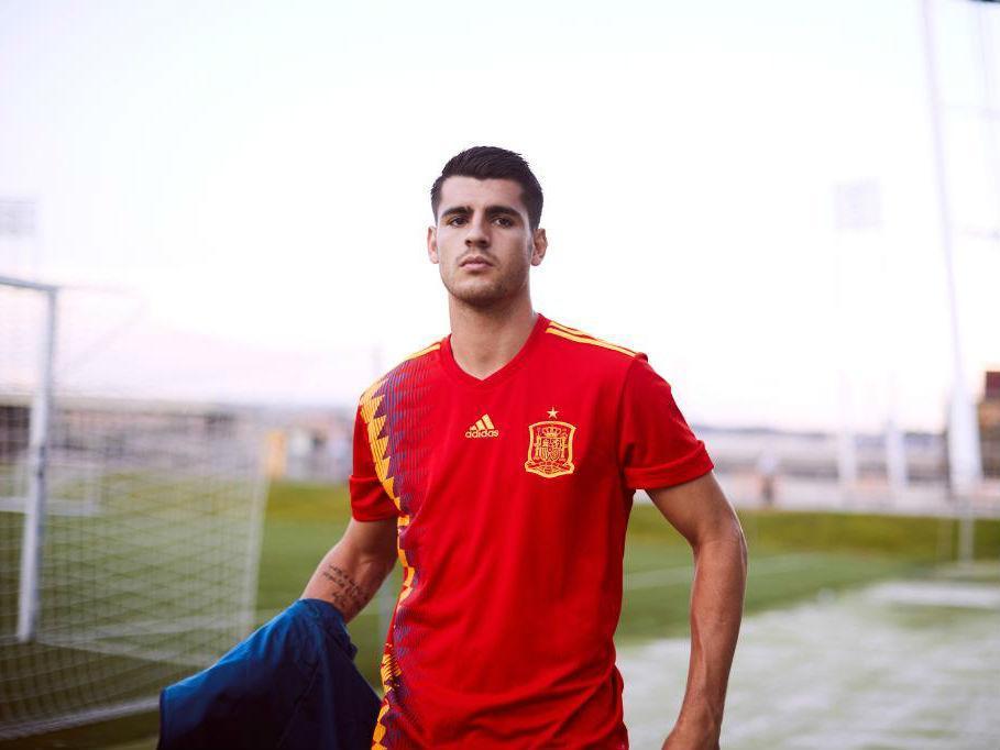 78c8c3f6f5 Camisola espanhola causa controvérsia por culpa das cores da república