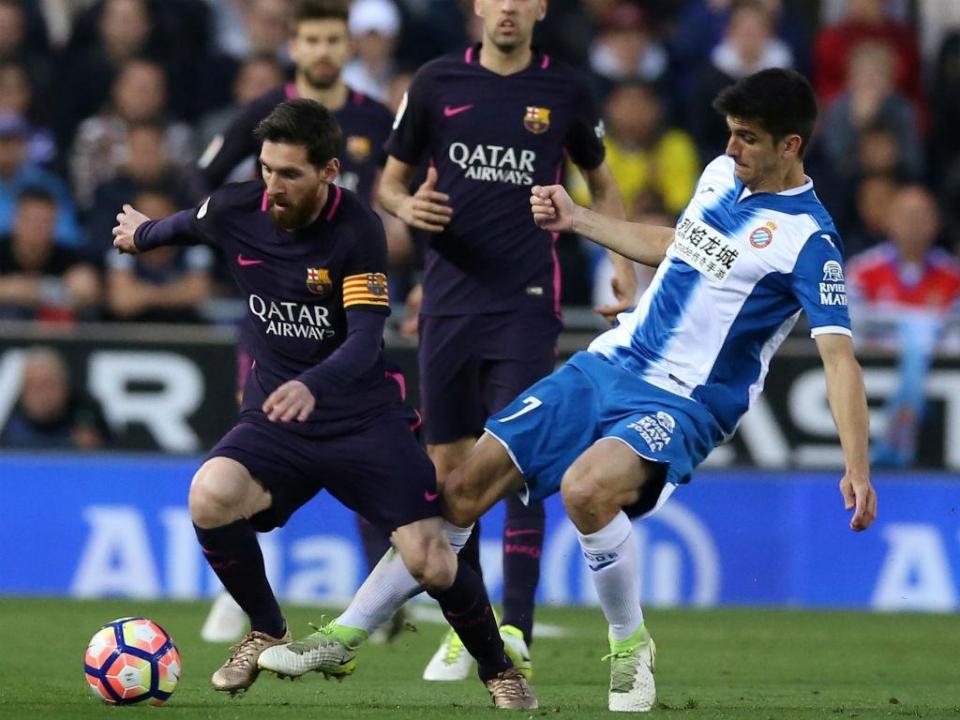 Menina trocou Messi por Gerard Moreno nos trabalhos de casa e foi recompensada