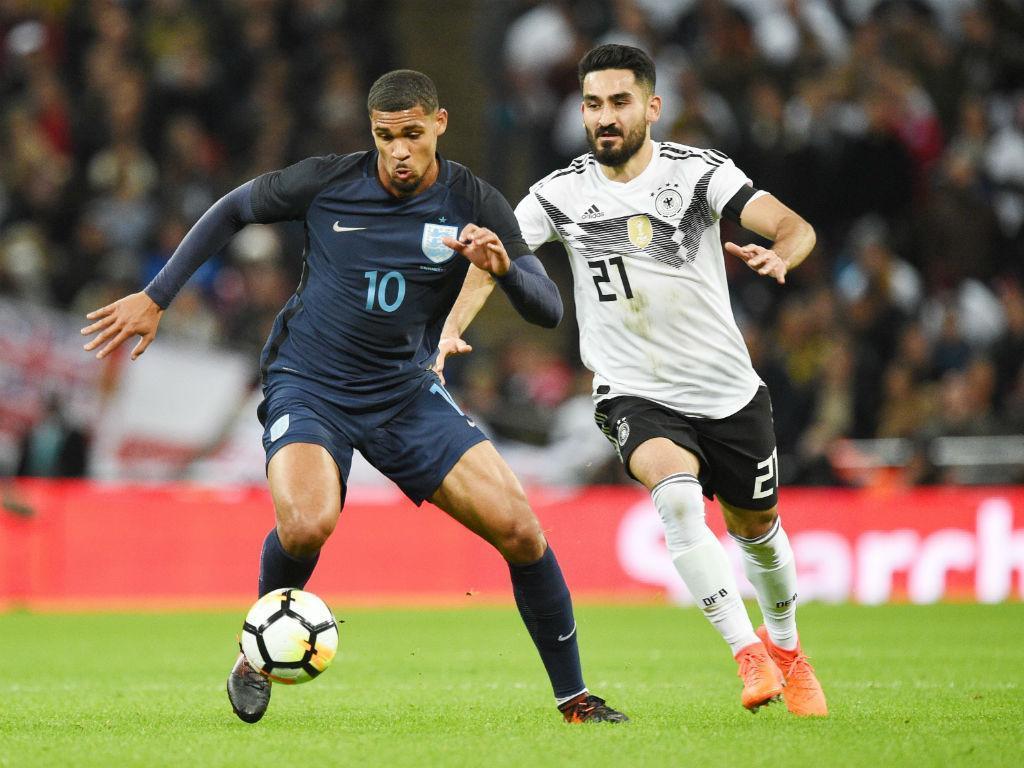 Inglaterra e Alemanha empatam em jogo de estreias