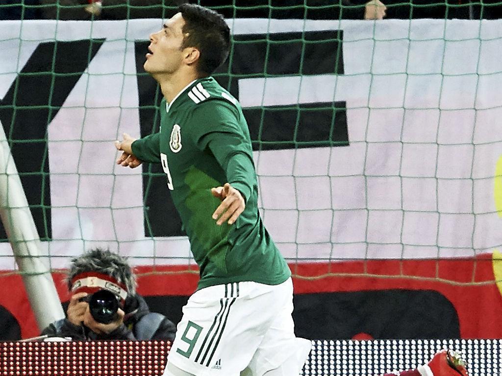 Raul Jimenez dá vitória ao México, jogador do FC Porto estreia-se