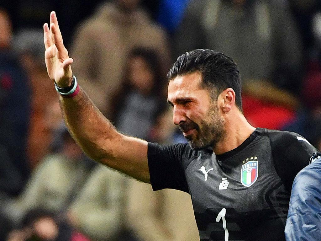 Buffon despede-se em lágrimas: «Deixo agora a baliza a Donnarumma e Perin»