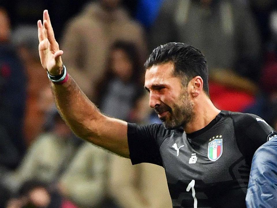 Itália: Buffon «não exclui» hipótese de continuar na Seleção