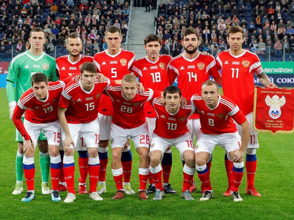 ONG pede à FIFA que instaure processo à Rússia por cânticos racistas
