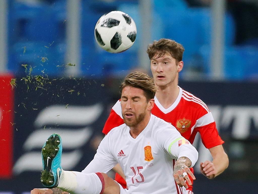 Rússia trava Espanha, mesmo com Ramos a bisar de penálti