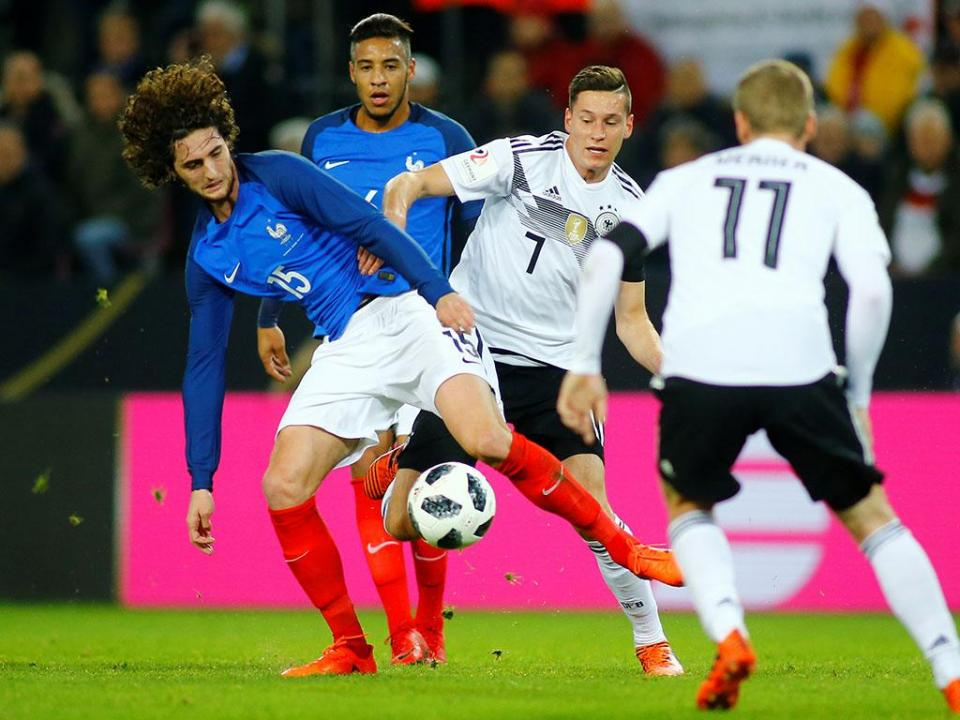 Alemanha empata com França no último suspiro