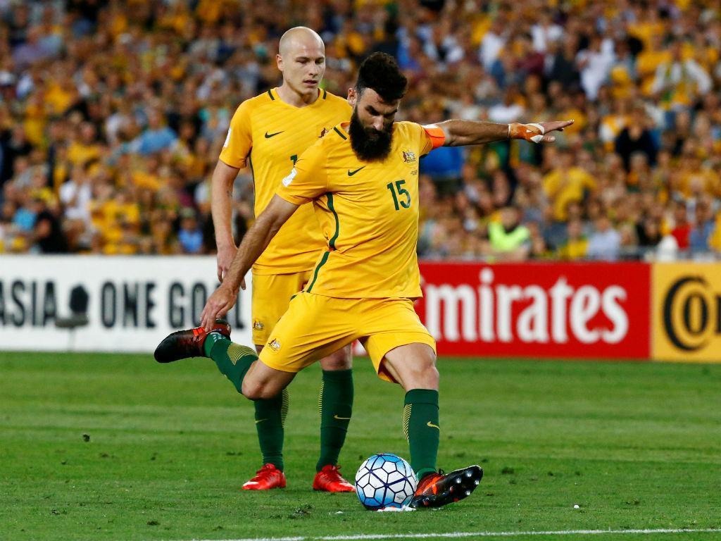 Capitão Jedinak apura Austrália para o Mundial