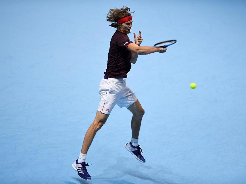 Ténis: Zverev vence Isner e já há «meias» definidas nas ATP Finals