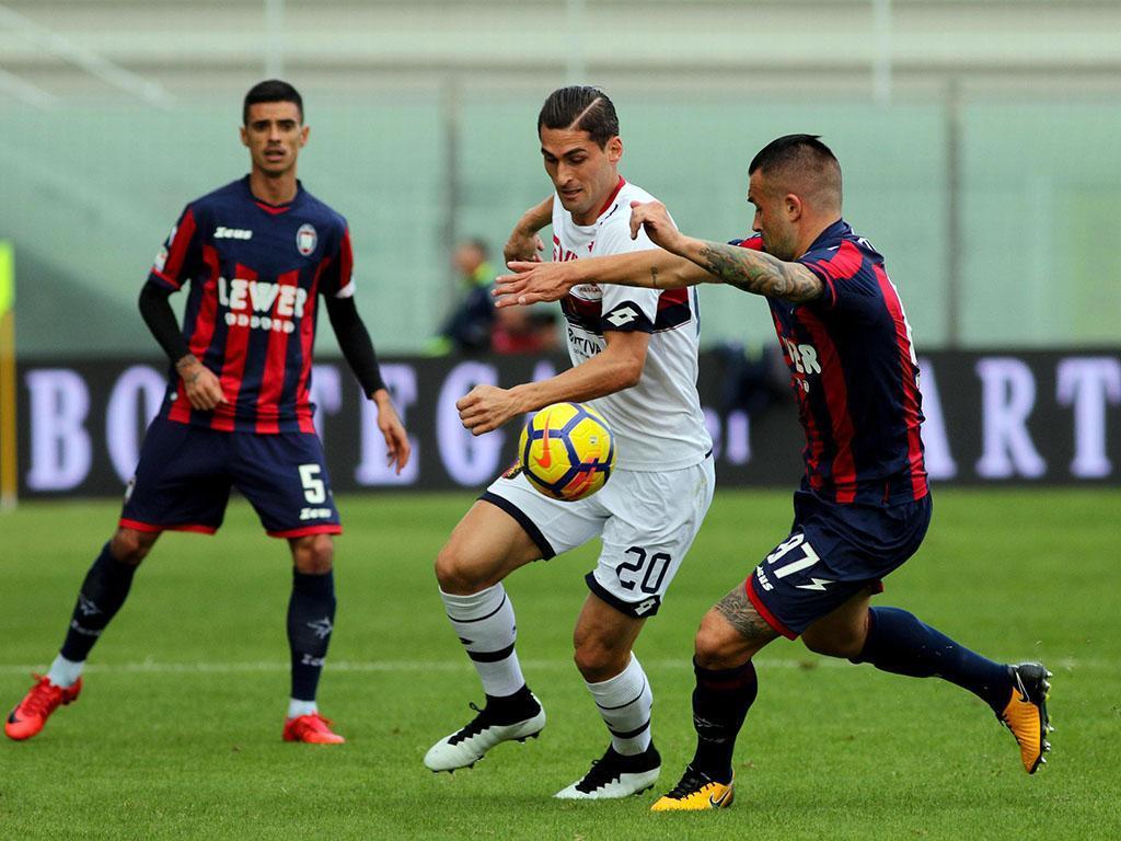Taça Itália: Génova bate Crotone com Miguel Veloso no banco
