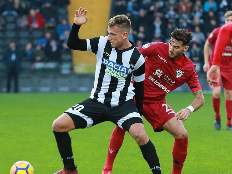 VÍDEO: Udinese goleia 8-3 e segue na Taça com «poker» de Maxi López