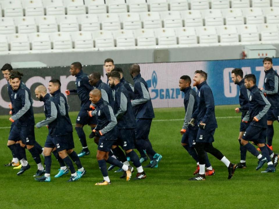 FC Porto: Corona e Ricardo Pereira mais perto da recuperação