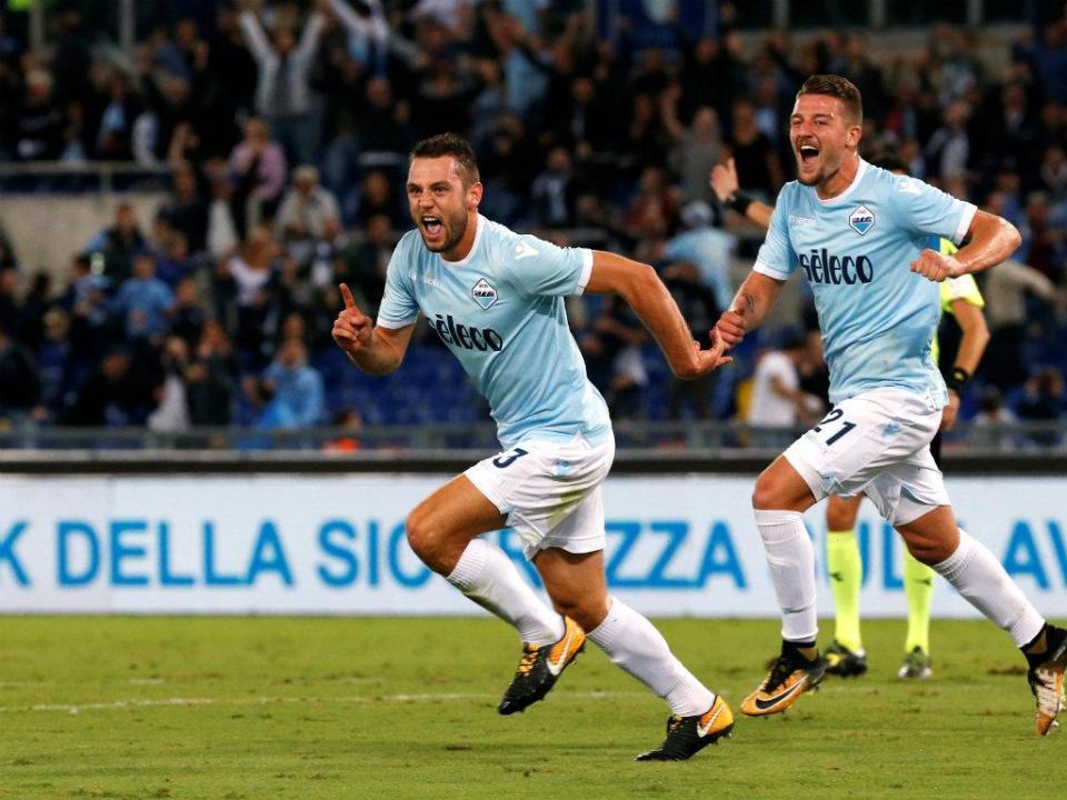 Central holandês antecipa-se aos clubes e anuncia ida para o Inter